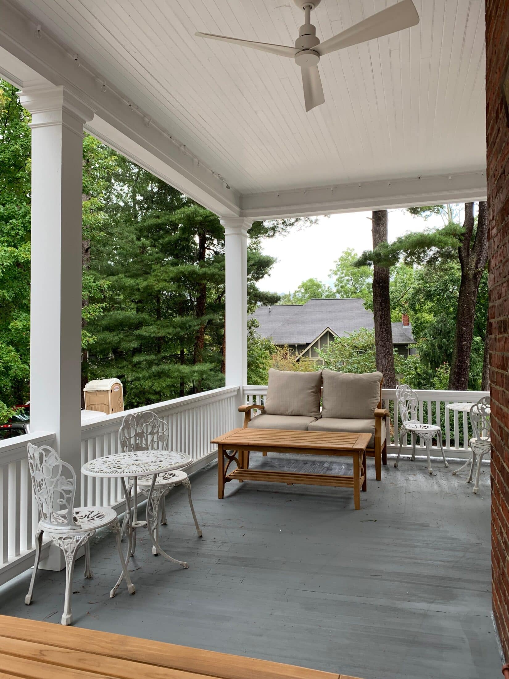 APPLEWOOD PORCHES, The Applewood Manor