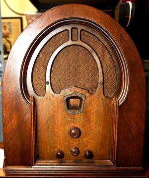 THE RADIO MUSEUM, The Applewood Manor